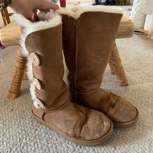 Ugg boots with button side